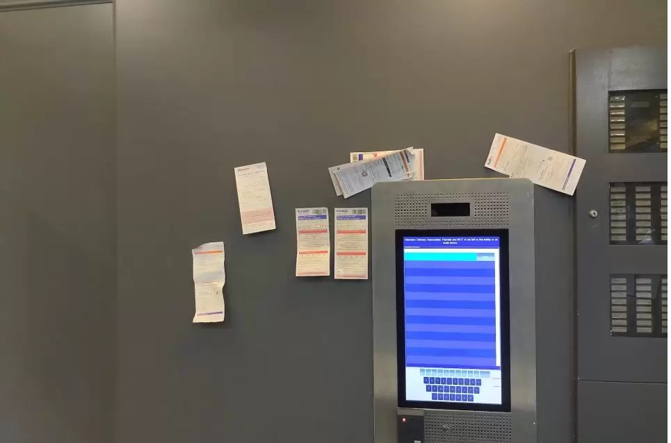 Touchless Smart parcel lockers
